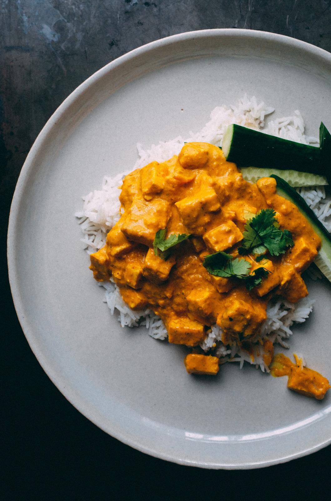 Curry antiinflamatorio de pera y tofu